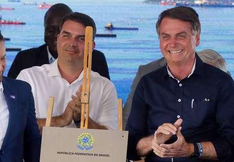 O senador Flávio Bolsonaro e o presidente Jair Bolsonaro