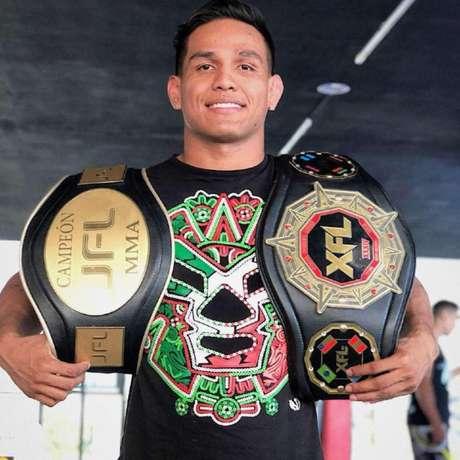 Renato Valente é campeão em duas divisões nos dois maiores eventos de MMA do México (Foto: arquivo pessoal)