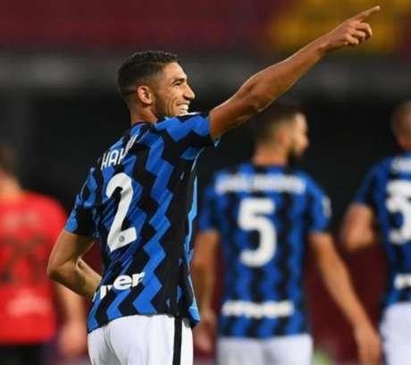 Hakimi está liberado e deve jogar contra o Genoa neste sábado (Divulgação/Internazionale)