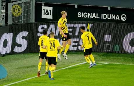 Haaland marcou mais um gol (Foto: LEON KUEGELER / POOL / AFP)