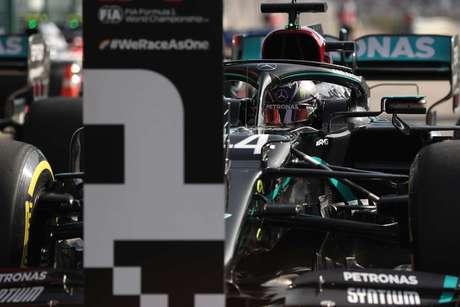 A ótima volta de Hamilton, que rendeu a pole, foi conquistada nos últimos segundos do treino em Portimão