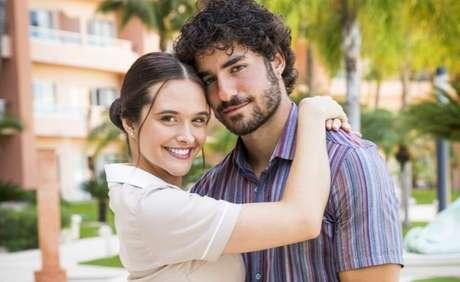 José Condessa fazia par romântico com Juliana Paiva na novela das 19h da Globo que ainda não tem data para voltar a ser exibida