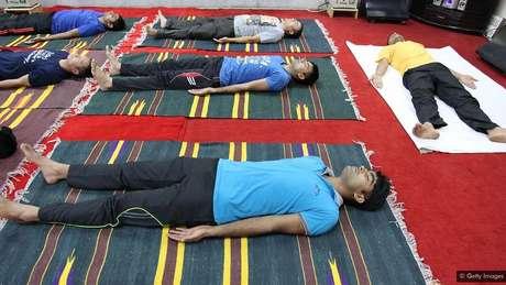 Um laboratório de defesa indiano experimenta técnicas de ioga para ajudar os soldados em ambientes hostis