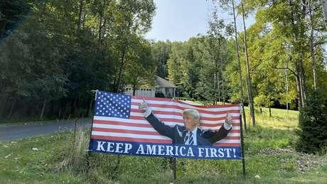 """Keep America First"""" ou """"Estados Unidos, em primeiro lugar"""", um dos slogans de campanha do presidente Donald Trump"""