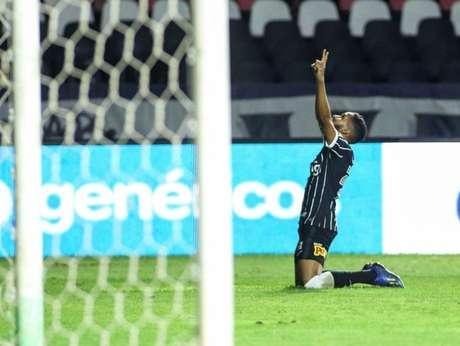 Everaldo marcou o gol da vitória do Corinthians sobre o Vasco, na última quarta (Foto: Rodrigo Coca/Ag. Corinthians)