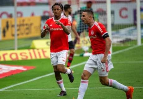 Abel e Galhardo fizeram gols (Foto: Ricardo Duarte/Internacional)