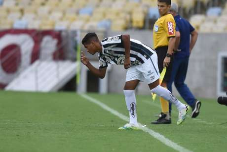 Ângelo atuou pouco mais de 30 minutos contra o Fluminense (Foto: Ivan Storti/Santos FC)