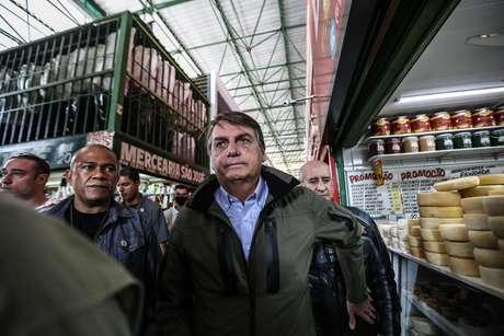 """""""Se você quer que eu tabele, eu tabelo. Mas vai comprar lá na Venezuela"""", disse o presidente a homem que pediu redução do preço do alimento"""