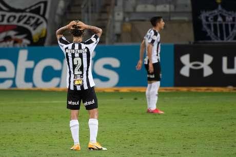 Em jogo de ataque contra defesa, Atlético-MG para em Luan Polli e empata com o Sport