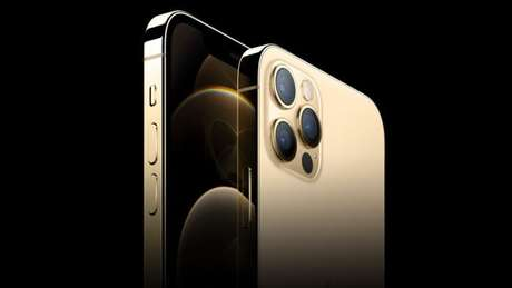 iPhone 12 Pro Max dourado (Imagem: Divulgação/Apple)