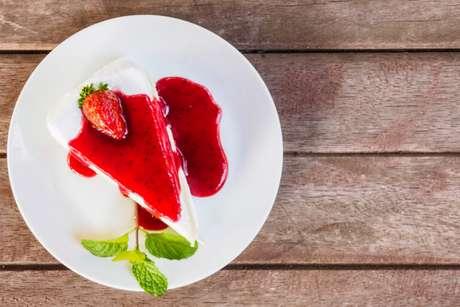 Guia da Cozinha - Torta de tofu com morango para arrasar na sobremesa