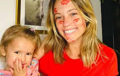 Juliana Didone revela que sofreu complicações no parto da filha
