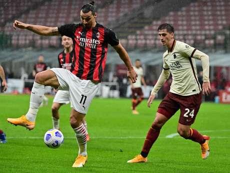 Milan e Roma somam apenas um ponto no Campeonato Italiano (Foto: MIGUEL MEDINA / AFP)
