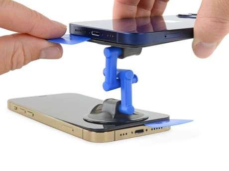 Remoção da tela do iPhone 12 e do iPhone 12 Pro (imagem: iFixit)