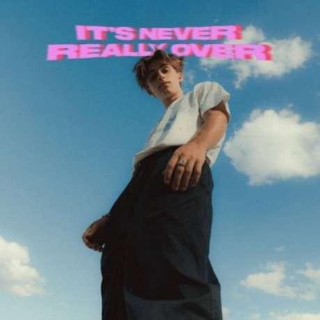"""Vencedor do MTV EMA, Johnny Orlando lança o EP """"It's Never Really Over"""""""