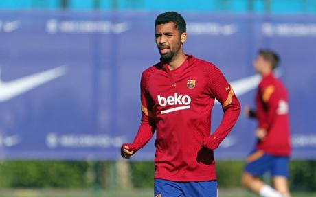 Matheus Fernandes pode estrear pelo Barça contra a Juve (Foto: Divulgação/Barcelona)