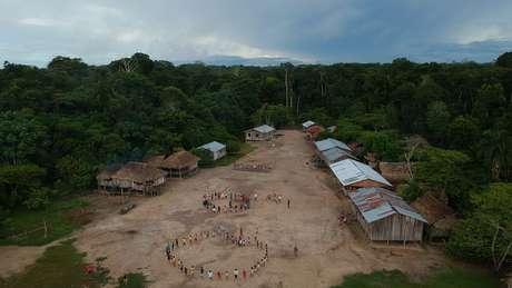 Povos indígenas convivem com problemas causados pelo avanço de setores como o agronegócio e a mineração