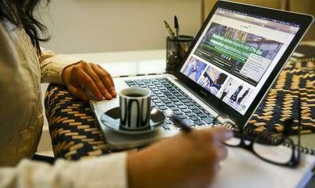Home office aumenta o desempenho, mas a convivência pessoal não deve ser anulada por completo, apontam especialistas.