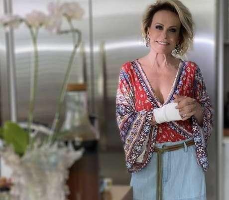 A apresentadoraAna Maria Braga teve de passar por cirurgia para tratar síndrome do túnel do carpo