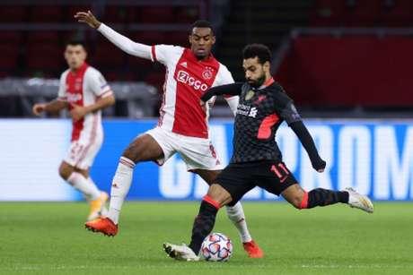 Gravenberch é titular do Ajax com apenas 18 anos (AFP)