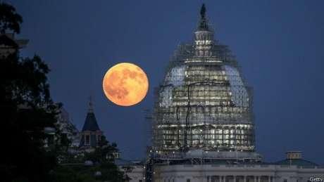 A Lua Azul apareceu dessa forma em Washington, nos Estados Unidos, em 2015