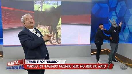Sikêra Jr. faz piada com caso de zoofilia durante o 'Alerta Nacional'