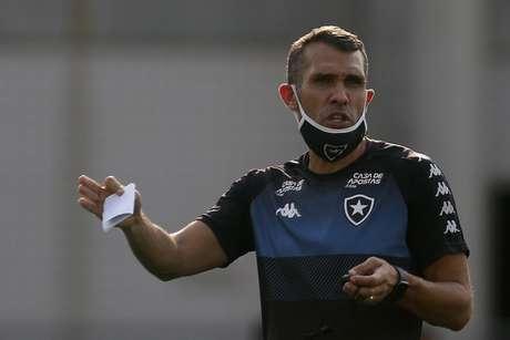Bruno Lazaroni permanecerá no dia a dia do Botafogo (Foto: Vítor Silva/Botafogo)