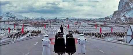Star Wars pegou todas as partes cool do fascismo, dos grandes desfiles ao nome dos Stormtroopers