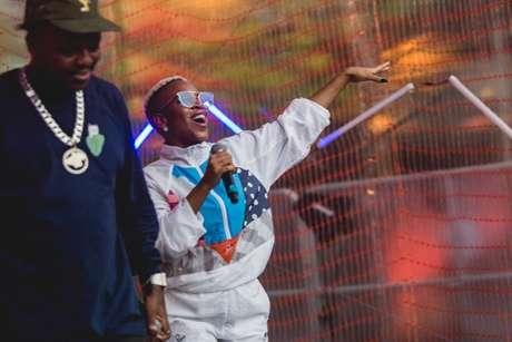Os rappers Djonga e Karol Conká na cerimônia de entrega do m-v-f Awards em anos anteriores