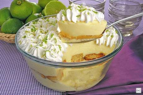 Guia da Cozinha - Sobremesas com limão: opções doces para quem ama essa fruta