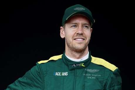 Sebastian Vettel: futuro piloto da Aston Martin passa a ter a simpatia da Mercedes em 2021.