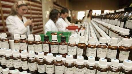 O manifesto pede maior regulação sobre medicamentos sem comprovação científica