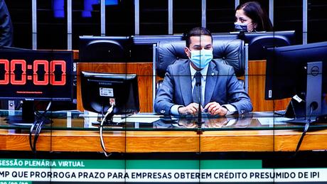 Em foto de 29 de setembro, presidente da Câmara em exercício, o deputado Marcos Pereira, comandou sessão majoritamente virtual — e última reunião dos deputados federais desde então