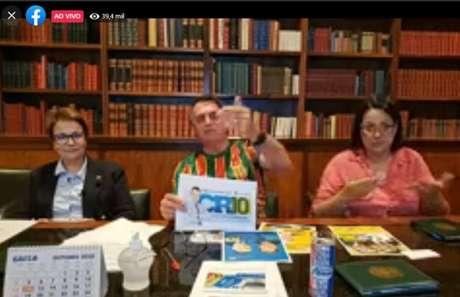 O presidente Jair Bolsonaro, durante live nesta quinta-feira