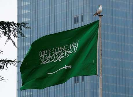 A Saudi flag flutters atop Saudi Arabia's consulate in Istanbul, Turkey October 20, 2018. REUTERS/Huseyin Aldemir