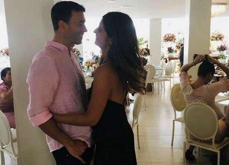 Jornalistas casaram durante a quarentena (Foto: Reprodução / Instagram)
