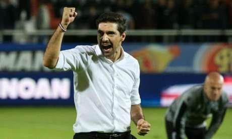 Abel Ferreira comemora vitória no campeonato grego (Foto: Divulgação/PAOK)
