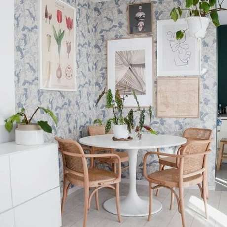 5. A Begônia Maculata trouxe um toque verde para a decoração da sala de jantar. Fonte: Karolina
