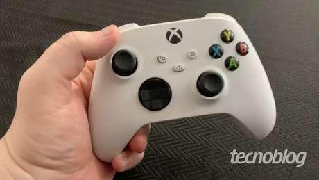 Controle do Xbox Series S (Imagem: Felipe Vinha/Tecnoblog)