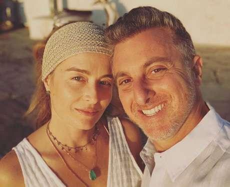 Luciano Huck e Angélica comemoram 16 anos de casados