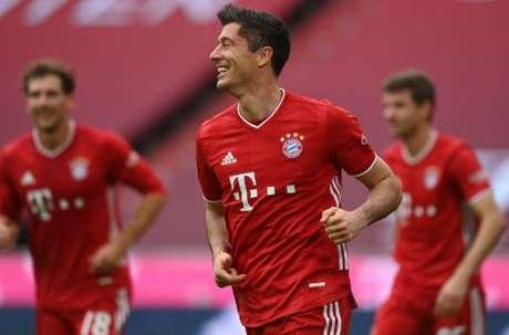 Lewandowski é o artilheiro da Bundesliga (CHRISTOF STACHE / AFP / POOL)