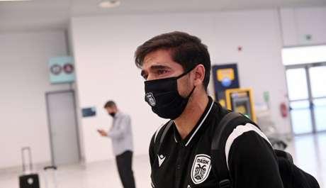 Português não conseguiu segurar as lágrimas em despedida da Grécia (Foto: Reprodução/Metrosport)