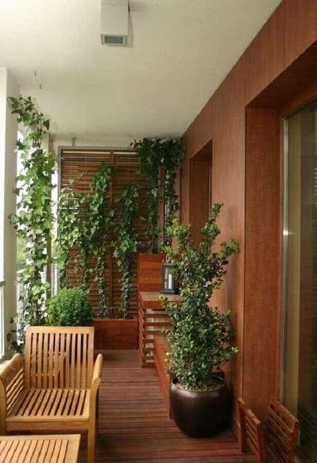 12. Para um cantinho verde em sua casa invista em plantas para varanda – Foto: Deavita
