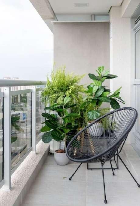 56. Vasos de plantas para varanda pequena cinza – Foto: Editions de l'Arkhan