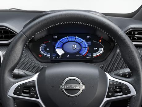 """Nissan Magnite: painel TFT e multimídia tátil de 8""""."""