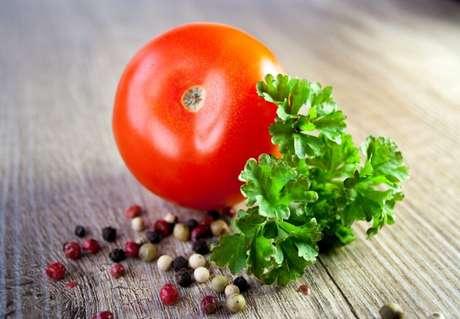 Guia da Cozinha - Olha o tomate! Conheça os tipos e usos na culinária