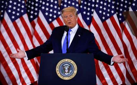Trump diz que venceu a disputa pela Casa Branca e prometeu ir à Justiça contra 'fraude'