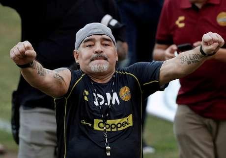 Maradona passou por uma cirurgia no cérebro