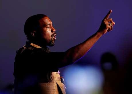 Rapper Kanye West durante comício eleitoral em North Charleston 19/07/2020 REUTERS/Randall Hill