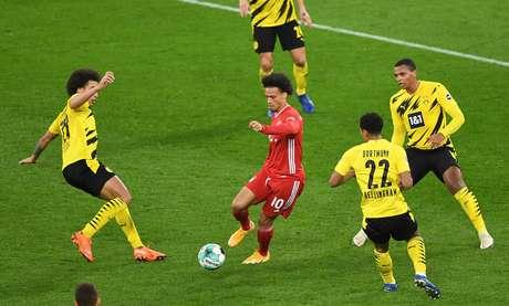 Bayern vence o Borussia Dortmund fora de casa e assume a liderança do Alemão